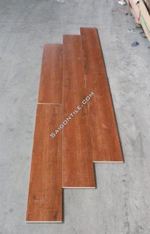 Gạch sàn gỗ màu cánh gián DW21T135