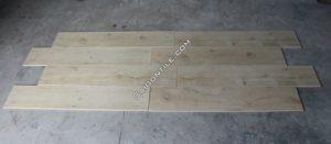 Gạch vân giả gỗ size to màu vàng kem 20x100 nhập khẩu DW21T125